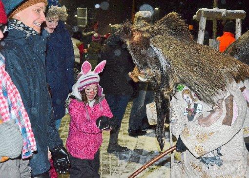 Bad-Dürrheim: Großer Auflauf für die Brunnä-Hexen - Schwarzwälder Bote