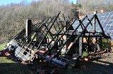 Landwirtschaftliches Gebäude in Flammen