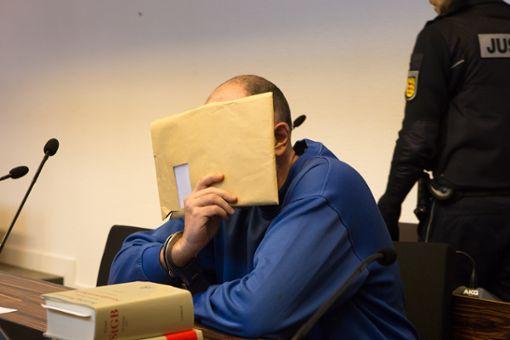 Der Hilfsarbeiter Markus K. aus dem Ortenaukreis muss für zehn Jahre hinter Gitter und kommt anschließend in Sicherungsverwahrung. Foto: Deckert