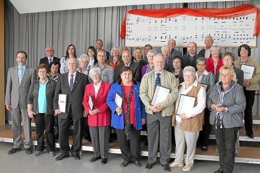 Der Hermann-Hesse-Chorverband hatte einige hochrangige Ehrungen zu vergeben.  Foto: Geisel Foto: Schwarzwälder-Bote