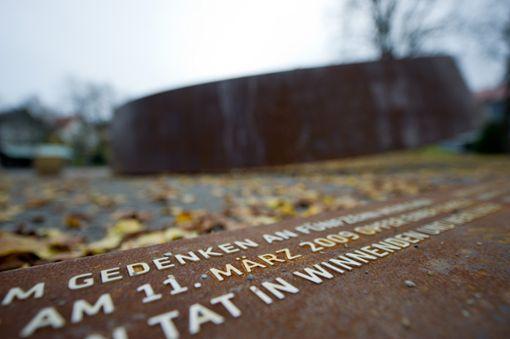 Das Mahnmal Gebrochener Ring erinnert an den Amoklauf an der Albertville-Realschule. Foto: dpa