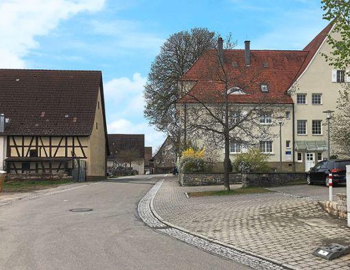 Die Schulstraße gehört zu den Maßnahmen, für die im Haushalt 2019 Mittel bereitgestellt werden.    Foto: Priestersbach Foto: Schwarzwälder Bote
