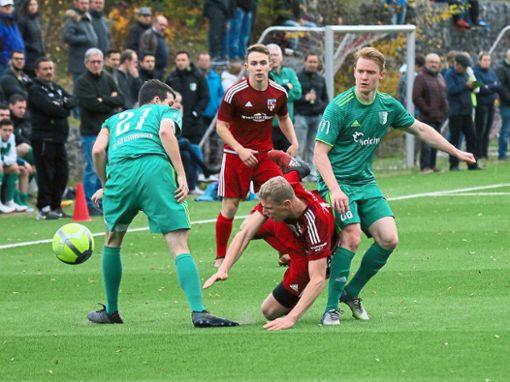 Im Hinspiel setzte sich Straßberg mit 1:0 in Dotternhausen durch. Nun sinnen die Grün-Weißen auf Revanche.  Foto: Kara