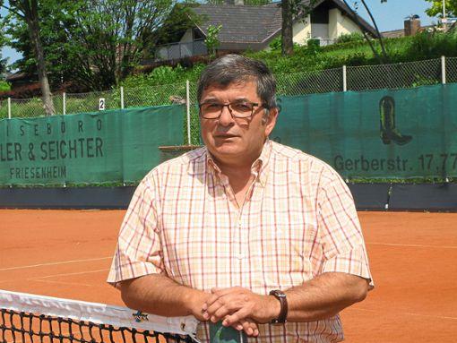 Jürgen Seubert ist seit 31 Jahren Leiter der Tennisabteilung in Oberschopfheim.   Foto: Bohnert-Seidel Foto: Schwarzwälder Bote
