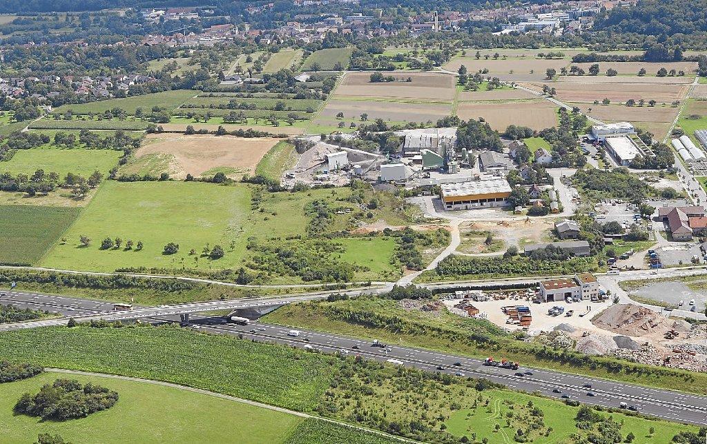 Pforzheim Hangepartie Um Mobel Riesen Pforzheim Schwarzwalder Bote