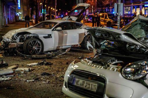 Für zwei junge Menschen kam bei dem Unfall jede Hilfe zu spät. Foto: Kohls/SDMG/dpa +++ dpa-Bildfunk +++