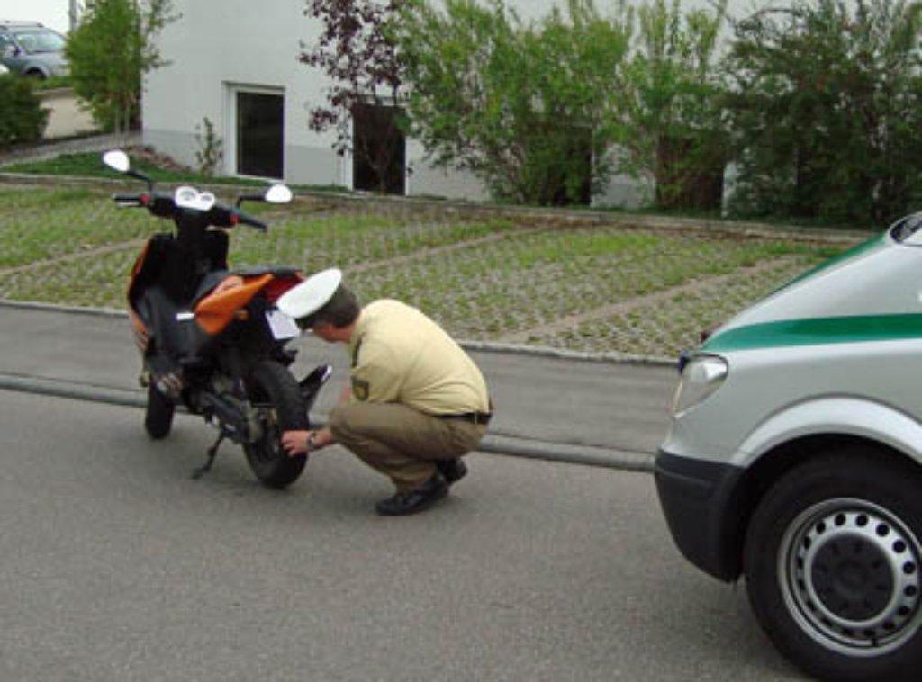 Rottweil - Rollertuning: Lebensgefährlicher Leichtsinn - Nachrichten ...