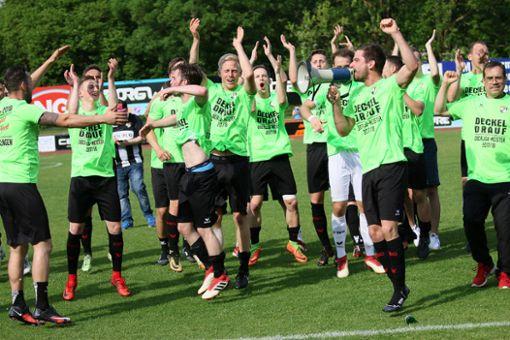 Oberliga, nie mehr, nie mehr: Die TSG Balingen hat den größten Erfolg ihrer Vereinsgeschichte geschafft und steigt als Oberliga-Meister in die Regionalliga Südwest auf.  Foto: Kara