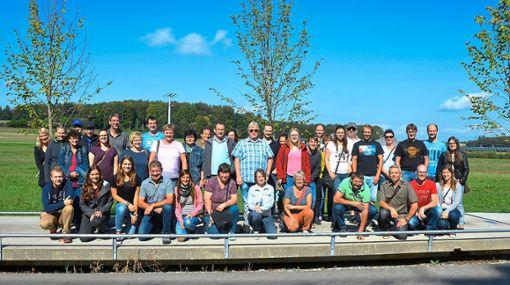 Ein Großteil der Gößlinger Bevölkerung, Musik- und Radfahrverein, erlebt einen abwechslungsreichen Tag im Oberland.   Foto: Scheible Foto: Schwarzwälder Bote