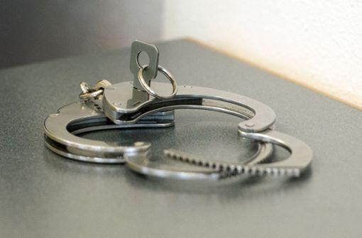Der Mann wollte festgenommen werden. (Symbolfoto) Foto: dpa