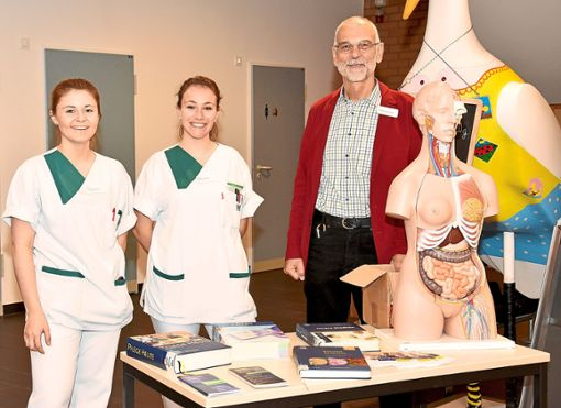 Die Gesundheits- und Krankenpflegeschule hat sich vorgestellt und durfte sich sogar über Bewerbungen freuen. Foto: Siegmeier