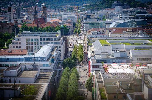 Stuttgarts Haupteinkaufsstraße – die Königstraße – von oben. Foto: Lichtgut/Achim Zweygarth