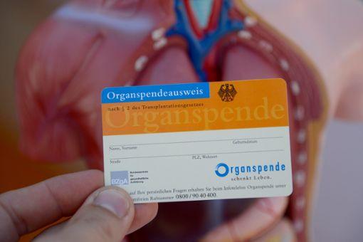 Zum Thema Organspende kursieren viele Horrorgeschichten. Wir haben mit einem Experten gesprochen. Foto: dpa