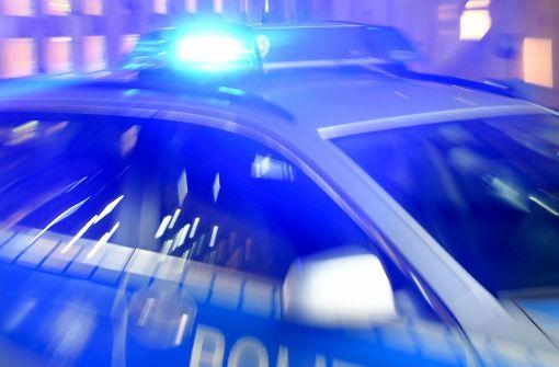 Die Umstände führen zu dem Verdacht, dass die drei Männer, die in einer Limousine unterwegs waren, die Täter waren. (Symbolfoto) Foto: dpa