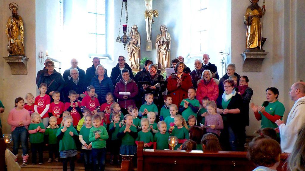 Burladingen: Kindergartenkinder legen tollen Auftritt hin - Burladingen - Schwarzwälder Bote
