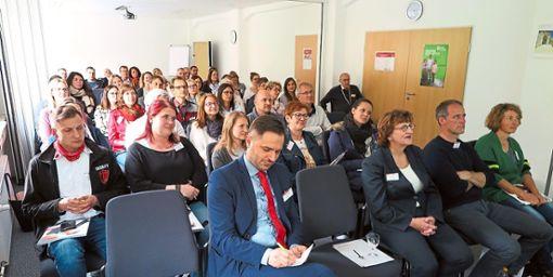 Fast 50  Zuhörer aus regionalen Betrieben folgten dem Referat von Berufsberater Jan Buschmann beim ersten Arbeitgeber-Forum in der Agentur für Arbeit Rottweil.  Foto: Arbeitsagentur Foto: Schwarzwälder Bote