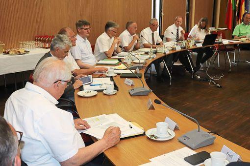 Der Verwaltungs-, Wirtschafts- und Verkehrsausschuss  des Regionalverbands tagte in Bad Liebenzell. Foto: Jähne
