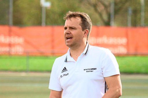 Zahlreiche Testspiele bestreitet Straßbergs Trainer Oliver Pfaff mit seinem Team in der Vorbereitung auf die Saison.  Foto: Kara
