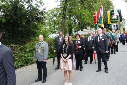 Lena Kim Heinzelmann aus Dornhan  an der Spitze der Delegation des Württembergischen Schützenverbands  Foto: Verein Foto: Schwarzwälder Bote