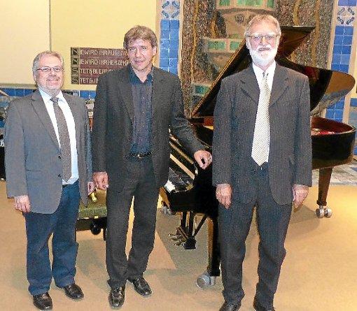 Winfried Hahner, Pianist Thomas Nutzenberger und Musikwissenschaftler Wolfgang Seibold (von links) gestalteten das Gesprächskonzert.                                            Foto: Veranstaltungsleiter Foto: Schwarzwälder-Bote