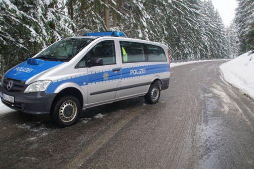 Bei einem Unfall im Kreis Freudenstadt ist ein 23-jähriger Autofahrer ums Leben gekommen. Foto: SDMG