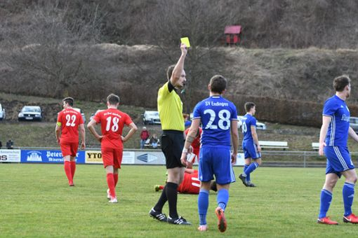 In einem kampfbetonten Spiel hatte der FC Bad Dürrheim die besseren Karten. Foto: Morat