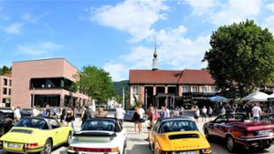 Bad Liebenzell: Cars and Coffee feiert Premiere im Kurpark