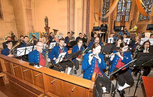 Mit einem  Kirchenkonzert begeisterte das Blasorchester des Musikvereins Salzstetten  die Besucher in der voll besetzten katholischen Kirche.   Fotos: Maier Foto: Schwarzwälder Bote