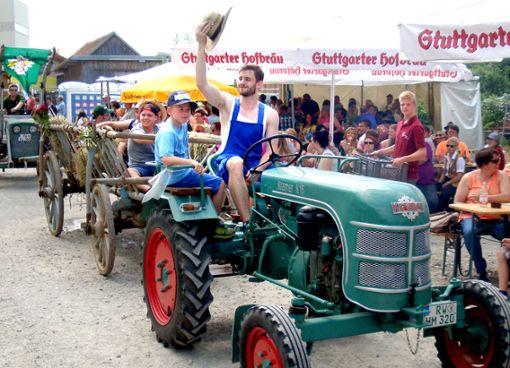 Für staunende Blicke wird wieder die Staudenparade mit Oldtimern und Traktoren sorgen.  Foto: Veranstalter Foto: Schwarzwälder Bote