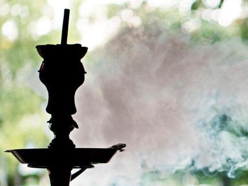 Bei einer Wasserpfeife fanden die Beamten Reste von Marihuana. (Symbolfoto) Foto: dpa