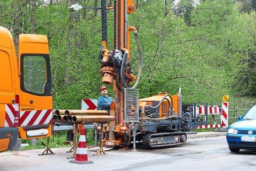Die Untersuchungen an der Guldenbrücke laufen voraussichtlich bis Mittwoch.   Foto: Bechtle
