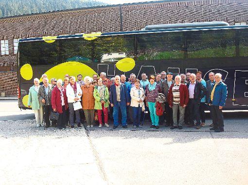Die frohgelaunte Gruppe der Alterswehr besucht den Südschwarzwald.   Foto: Staiger Foto: Schwarzwälder-Bote