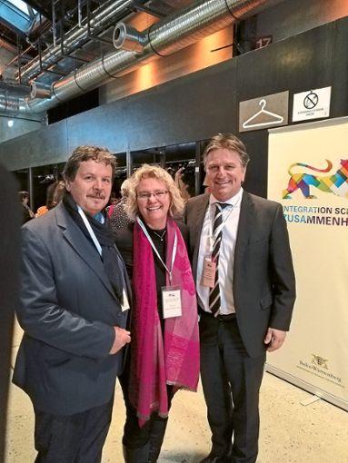 Würdigung auf höchster Ebene (von links):  Peter Blechmann und  Nathalie Hahn vom  Sozialkaufhaus und Sozialminister Manne Lucha   Foto: Privat Foto: Schwarzwälder Bote