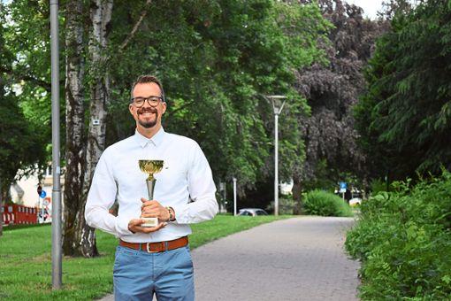 Alexander Gambin ist deutscher Karaoke-Meister Foto: Zelenjuk Foto: Schwarzwälder Bote