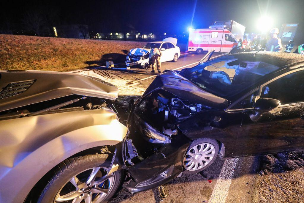 Vier Verletzte bei Unfall auf B 33
