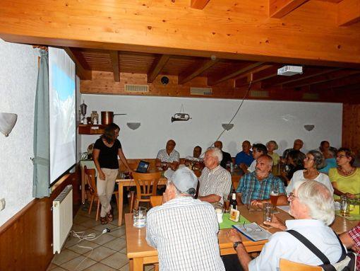 Viele Interessierte    lockte     der Gletscher-Vortrag zum DAV-Treff ins     Naturfreundehaus.  Foto: DAV Foto: Schwarzwälder Bote