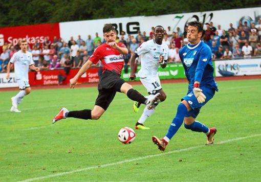 Zahlreiche Hochkaräter ließen Patrick Lauble und seine Mitstreiter gegen Hoffenheim liegen – so reichte es nur zum 0:0. Foto: Kara