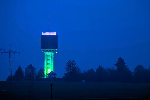 In den Sternschnuppennächten am Freitag und Samstag wird der Beffendorfer Wasserturm beleuchtet.  Foto: Schmid