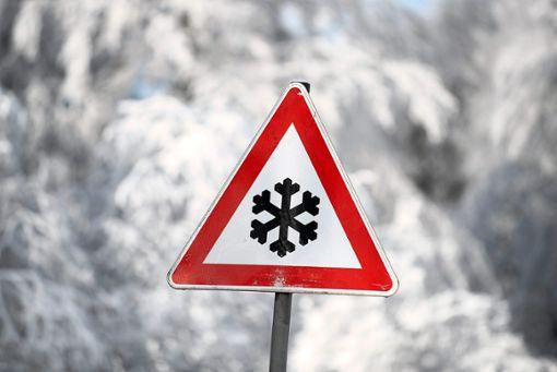 Bei Schnee und Glätte ist auf den Straßen besondere Vorsicht geboten. Foto: Zucchi