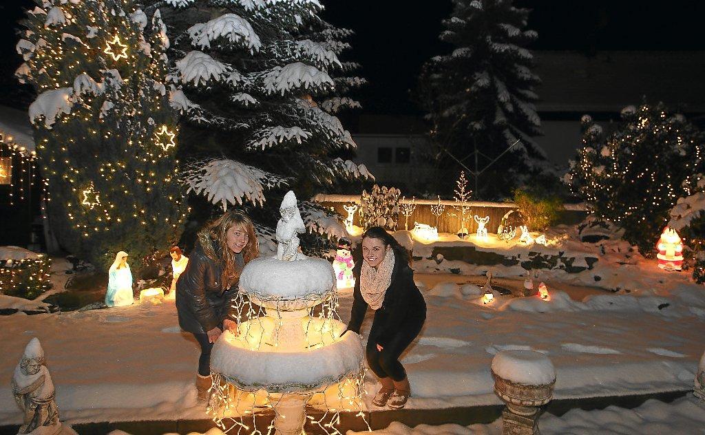 Kitschige Weihnachtsbeleuchtung.Straubenhardt Monatsgehalt Für Lichterpracht Calw Schwarzwälder