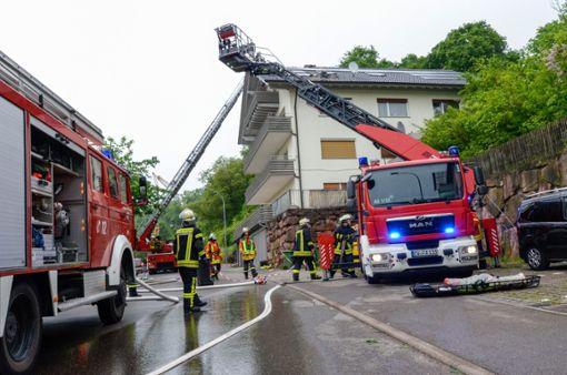 Ein Blitzeinschlag in ein Wohnhaus in Nagold hat einen Dachstuhlbrand verursacht. Foto: Udo Zink/Kreisfeuerwehrverband Calw
