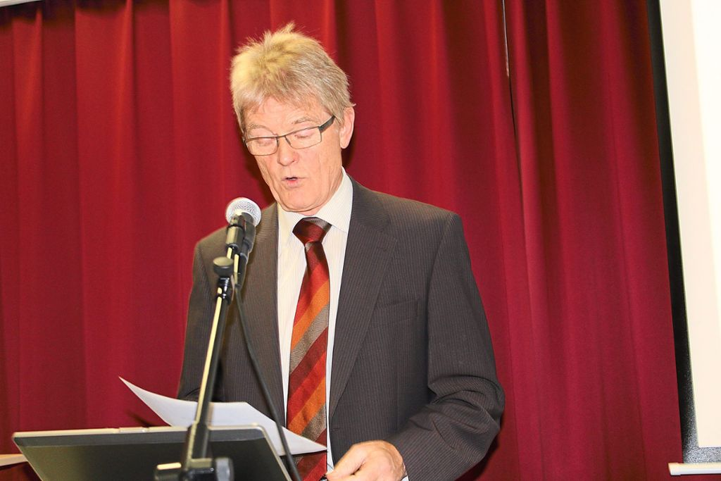 Der Vorsitzende Klaus Fischer will beim Liederkranz Emmingen eine Werbekampagne starten. Foto: Meinert Foto: Schwarzwälder Bote