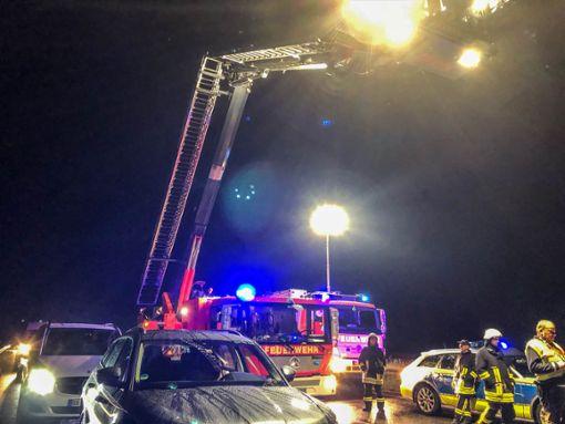 Ein 17-Jähriger ist am Wochenende auf der A 81 bei strongEpfendorf/strong von einem Auto erfasst und getötet worden. Die Hintergründe sind noch unklar. a href=https://www.schwarzwaelder-bote.de/inhalt.kreis-rottweil-nach-toedlichem-unfall-auf-a-81-ermittlungen-laufen.ea1e89da-d8d3-4c6b-a299-d12e4874196e.htmltarget=_blankstrongZum Artikel/strong/abr  Foto: SDMG/Sven Maurer