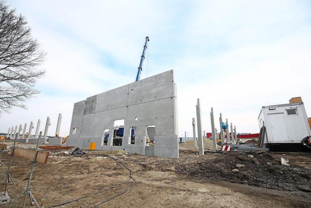 Die Hochbauarbeiten Am Neubau Des Kauflands Im Gewerbegebiet Bad Dürrheim  Haben Begonnen. Eröffnung Soll Dann