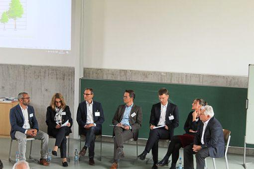 Bei einer Talkrunde mit Gründerpersönlichkeiten konnten sich Interessierte an der Forsthochschule über eine Existenzgründung informieren.  Foto: Baum Foto: Schwarzwälder Bote