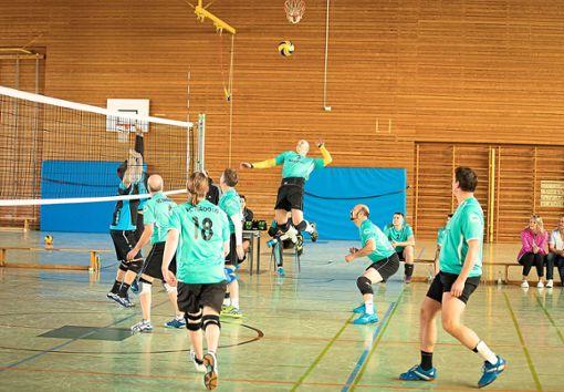 Gegen den FSV Deufringen landete der VC Nagold den dritten Saisonsieg.  Foto: Reutter Foto: Schwarzwälder Bote