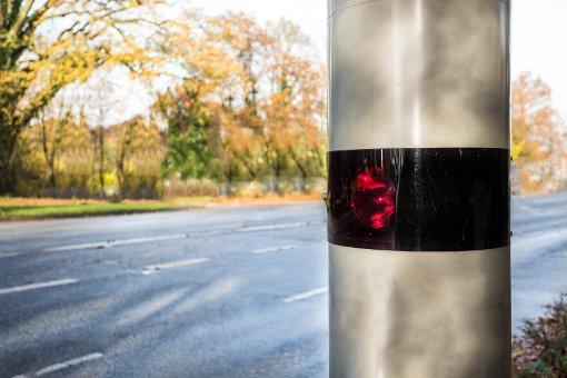 Noch in diesem Monat soll die stationäre Anlage an der Ortsdurchfahrt Schwarzenberg der B462 aufgestellt werden. (Symbolfoto) Foto: © Fabian Faber/Fotolia.com
