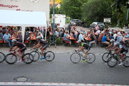 Das Deißlinger Kriterium wird am Donnerstag zum Stelldichein des baden-württembergischen Radsports.  Foto: Fussnegger Foto: Schwarzwälder-Bote