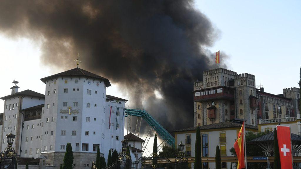 Rust Evakuierung Wegen Großbrand Im Europa Park Offenburg