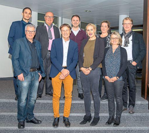 Der neu gebildete IHK-Handelsausschuss mit seinem Vorsitzenden Thomas Weisser (Zweiter von links) vertritt die rund 8000 Handelsunternehmen der Region.    Foto: IHK Foto: Schwarzwälder Bote